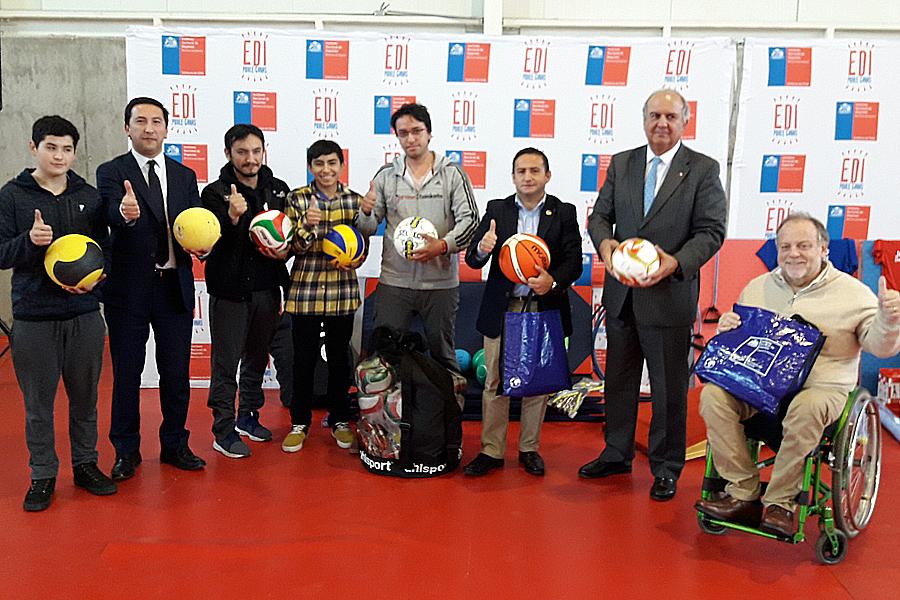 Entregan implementación deportiva a organizaciones de La Araucanía ... 7cd8aab5292f7